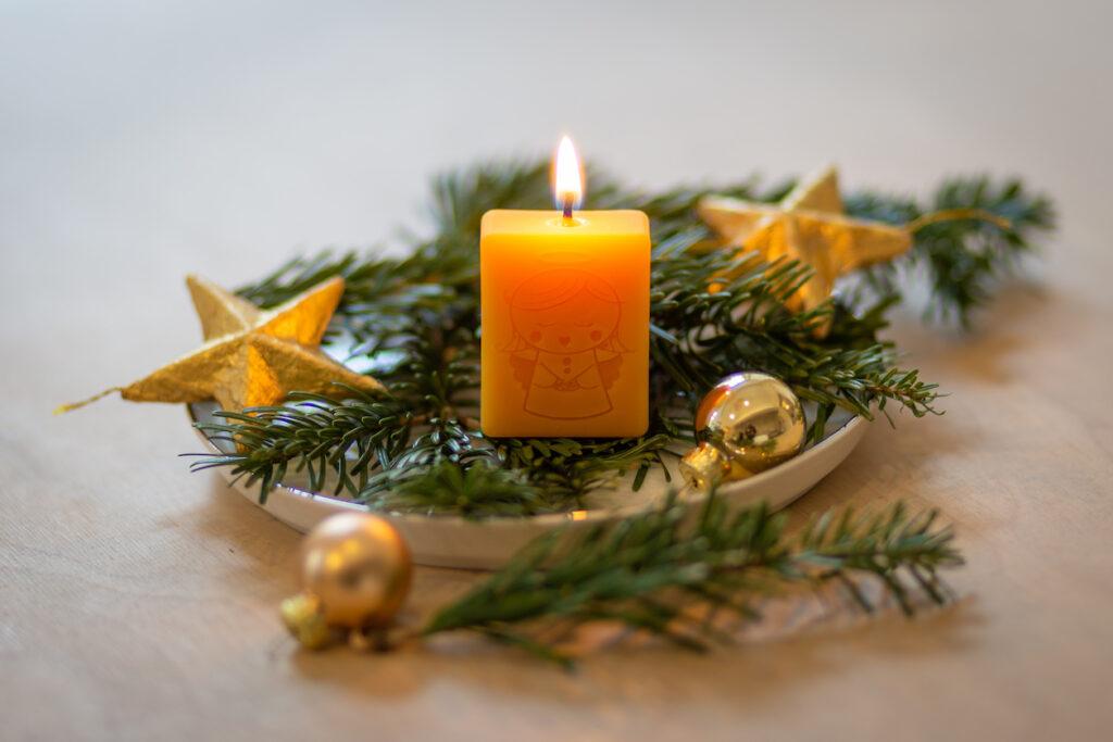 Christkindkerzen aus Honig vom braven Christkind