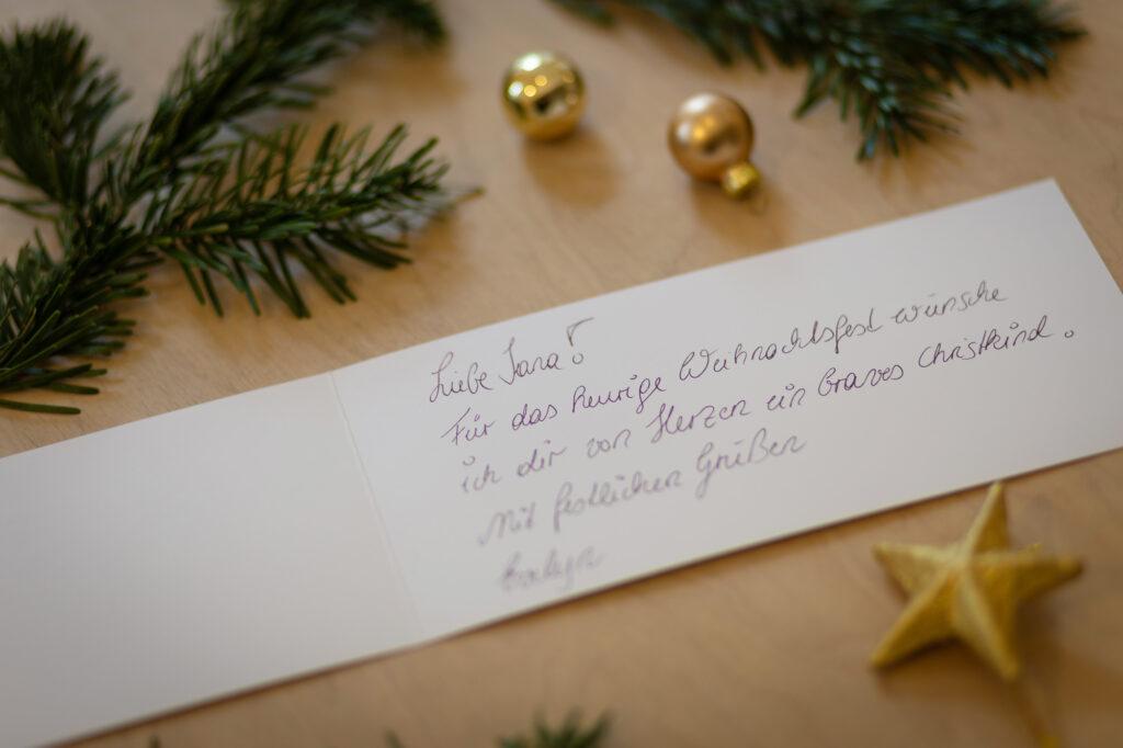 Weihnachtliches Billett mit individueller handgeschriebener Botschaft