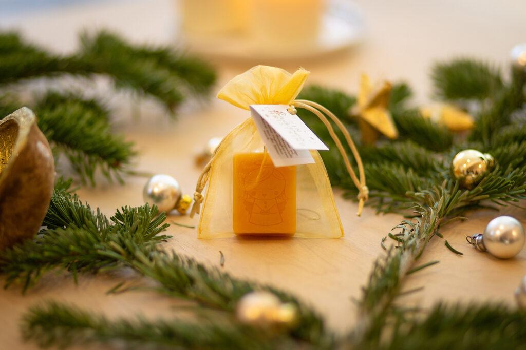 Christkindkerzen – Weihnachtszauber DS Christkind Honigkerze 2
