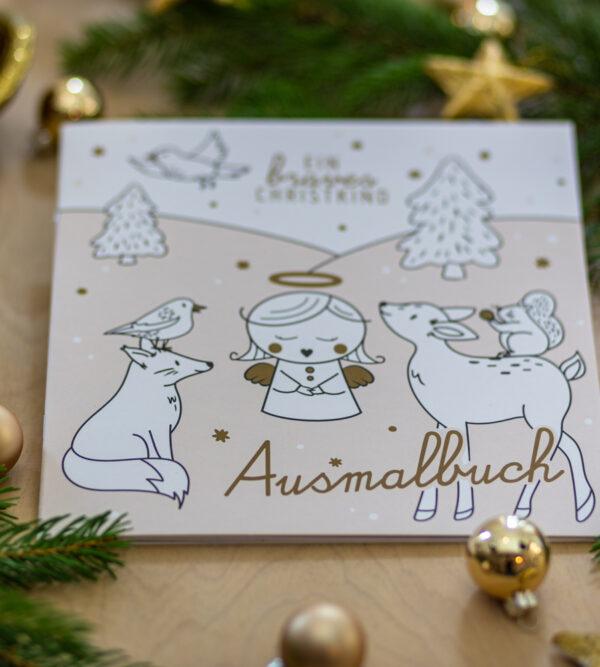 Malbuch mit Weihnachtsmotiven.