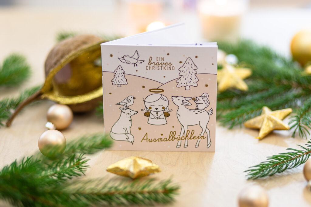 Mini-Malbuch mit weihnachtlichen Motiven.